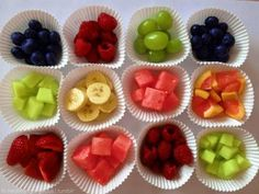 PHOTOS: Lovely idea to put the different kind of fruits in these little paper :)