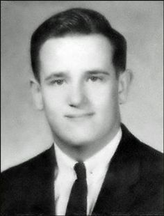 Virtual Vietnam Veterans Wall of Faces | ROBERT G WILLOW | MARINE CORPS