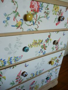 New Bedroom Wallpaper Shabby Chic Cath Kidston Ideas Bedroom Wallpaper Shabby Chic, Bedroom Vintage, Trendy Furniture, Rustic Furniture, Decoupage Furniture, Painted Furniture, Wallpaper Drawers, Papel Contact, Best Bedroom Colors