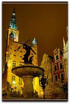 Neptune Fountain - Long Market, Gdansk, Poland. SENCILLAMENTE BELLO.