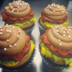 What?  Hamburger cupcakes, too cute!