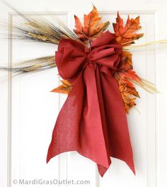 Burlap Bow Tutorial: Perfect for Fall Decorhttp://blog.mardigrasoutlet.com/search/label/Memorial%20Day