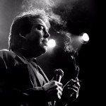 Bill Hicks fue uno de los mejores comediantes de stand up de todos los tiempos, quien al igual que el gran Lenny Bruce, denunció con sátira y cinismo.