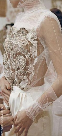 valentino couture gorgeous blouse and trousers Style Haute Couture, Couture Mode, Couture Details, Fashion Details, Couture Fashion, Runway Fashion, Fashion Design, Valentino Couture, Valentino Bridal