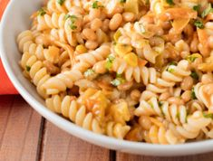 A winning side dish for any gathering, this classic curry pasta salad recipe's spicing is easily adjustable to varying palettes. Curry Pasta Salad, Noodle Salad, Braai Salads, Four Bean Salad, Bean Salad Recipes, Baked Beans, Rhodes, Kos, Easy Dinner Recipes