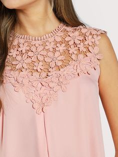 Keyhole Back Daisy Lace Shoulder Shell Top -SheIn(Sheinside) Kurti Neck Designs, Blouse Designs, Shell Tops, Mode Style, Lace Tops, Diy Clothes, Blouses For Women, Designer Dresses, Fashion Dresses