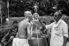 Expressive photographs of Cop Shiva are his tools for creating social awareness World Photography Day, War Photography, William Dalrymple, Shiva Art, Reading Art, Social Awareness, 1 Image, Human Emotions, Make Art