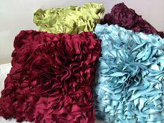 Cojines decorativos, puedes encontrarlos en nuestra tienda de Piantini.