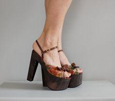 Ahhhhmazing vintage platform shoes!