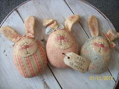 Just click the link to get more information on cute Easter crafts Hoppy Easter, Easter Bunny, Easter Eggs, Easter Projects, Easter Crafts, Crafts For Kids, Spring Crafts, Holiday Crafts, Felt Crafts