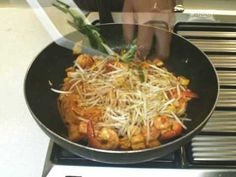 Thai Cooking Recipe: Pad Thai Fried Noodles in Egg Wrap from Lobo (Thai ...
