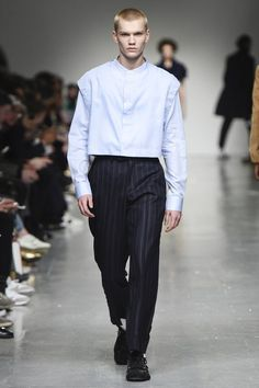 See the complete Casely-Hayford Fall 2017 Ready-to-Wear collection.