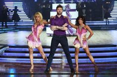 Jay e @AlionaVilani ensaiando turnê do Strictly Come Dancing em Birmingham, na Inglaterra. (21 jan.)