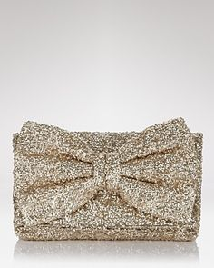 MUST DO! This woman is amazing!  Such a simple tutorial on how to make this Betsey Johnson glitter gold clutch