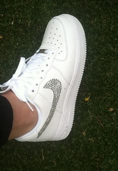 promo code 794aa 65ea5 OMG!! Diamantés on white know Air Force ... I should so do