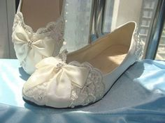 0900b51a38b8 Ladies Ivory Lace Ballerina Flats Bridal Wedding Shoes with Bows US  43.90