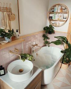 Small Modern Bathroom Ideas and Inspiration | Hunker Small Bathroom Interior, Big Bathrooms, Bathroom Renos, Modern Bathroom Design, Budget Bathroom, Bathroom Remodeling, Remodeling Ideas, Master Bathroom, Very Small Bathroom