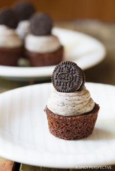 Itty Bitty Brownie Bites with Oreo Frosting on ASpicyPerspective.com! Great for parties!!