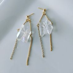 Clear raw crystal dropped earring for sensitive skin please inform me by message and I can change to 14 k gold plate ear hook for you size x Jewellery Earrings, Drop Earrings, Crystal Drop, My Etsy Shop, Quartz, Hair Accessories, Trending Outfits, Crystals, Unique Jewelry