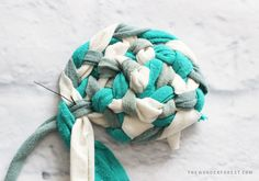 How To Make a No-Sew Round Braided Rug With T-Shirts! | Wonder Forest: Design Your Life.