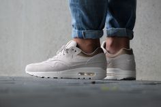 Nike WMNS Air Max 1 PRM Gamma Grey Metallic Gold - 454746-009