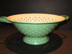 Vintage Enamelware Ivory Green Colander Strainer Cottage Rustic Kitchen Decor | eBay