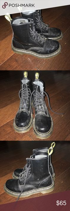 SALE 💖💖 Dr Martens Patent Leather Shoes Super chic and stylish. In great condition ! First pic is from dr Martin website. Other pics are mine Dr. Martens Shoes Combat & Moto Boots