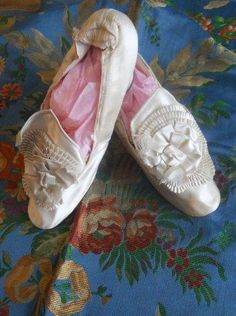 PAIR ANTIQUE FRENCH SHOES 1900 FABRIC HAUTE COUTURE