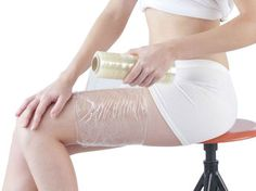These DIY body wrap ideas are all you will need to lose weight and tone your body. Find out what you need and how to apply these simple homemade body wraps. Cellulite Scrub, Cellulite Remedies, Fat Burning Cardio, Fat Burning Diet, Homemade Body Wraps, Diy Body Wrap, Fat Burning Cream, Fat Burning Smoothies, Lose Weight At Home