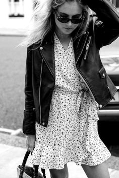 Perfecto + petite robe fleurie portefeuille = le bon mix (photo Lucy Williams)
