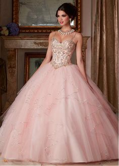 Fantastic Tulle Spaghetti Straps Neckline Ball Gown Quinceanera Dresses With Embroidery & Beadings