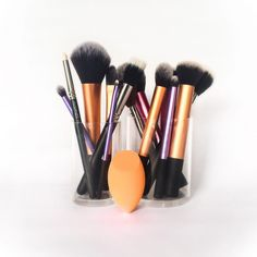 My Makeup Brushes by anverelle.com Click here to read about my brushstash and my favourites I use every day!