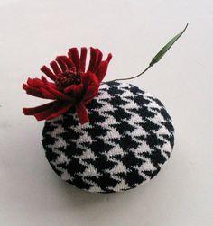Fascinator hat races head piece mini pillbox hat by mammamiaeme