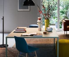 Eleganter Quadratischer Esstisch Filo von Novamobili aus Italien. Die dünne Tischplatte mit den schlanken Beinen lässt den Tisch Filo besonders filigran und elegant wirken.