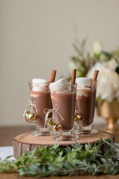 Cozy Hot Chocolate with Cinnamon | Gavin Farrington Photography | Event Design and Styling by Glow Event Design - http://heyweddinglady.com/winter-chic-intimate-holiday-wedding-cozy-neutrals-2