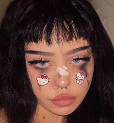 937 imagens sobre egirl/ grunge girl no We Heart It Bad Girl Aesthetic, Aesthetic Makeup, Aesthetic Grunge, Aesthetic People, Edgy Makeup, Makeup Inspo, Makeup Art, Makeup Inspiration, Goth Makeup