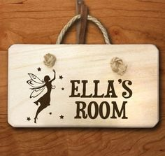 Personalised door sign as cool things to put on your bedroom door | Decolover.net