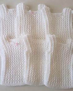 Chalecos Pechitos De Lana Bebé Nuevos! - $ 550,00 en Mercado Libre Baby Vest, Zentangle, Crochet Baby, Leo, Knitting, Cute, Sweaters, Amelia, Dresses