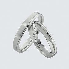 Verighete din aur alb cu briliante.  Cu interiorul bombat, pentru un confort maxim la purtare Silver Rings, Wedding Rings, Engagement Rings, Aur, Bracelets, Jewelry, Weddings, Charm Bracelets, Jewellery Making