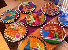 Upcycled Lazy Susan (D'oh wish I had of kept mine now! Would of really benefited frm this! Oh well! Funky Painted Furniture, Painted Chairs, Colorful Furniture, Art Furniture, Arte Country, Lazy Susan, Wooden Decor, Tole Painting, Mug Rugs