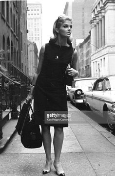 World's Best Candice Bergen Ken Regan Archive July 1964 Stock Pictures, Photos, and Images - Getty Images Candice Bergen, Timeless Beauty, Classic Beauty, Timeless Fashion, Julie Christie, 1960s Fashion, Vintage Fashion, Best Sneakers, Ladies Sneakers
