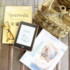 Mes livres favoris en Ayurvéda 📖💚 ✨ Ayurveda, Voici, Yoga, Healing, Books, Natural Health, Reading, English People, Livros