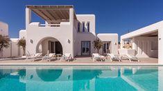 MIA I -Διώροφη εξοχική κατοικία στη Πάρο | vasdekis Greece Fashion, Paros, Tropical Houses, Luxury Villa, Santorini, Greece Style, Terrace, Exterior, House Styles