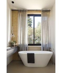 floating tib - small space bath - Robson Rak Architects Pty Ltd