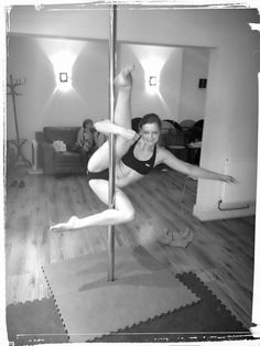 Alesia pole move variation  #poledancing #polefitness #invertedcrucifix #sport #fitness #fitnessfun #exercise