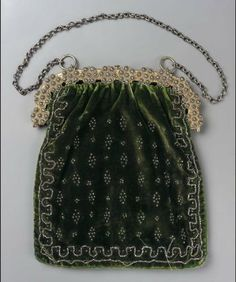 Elegant Velvet Bag -- Gilt with small medallion riveted to frame, composed of gilt with cut steel nail heads. Green velvet bag with applied steel beads. Museum of Fine Art Vintage Purses, Vintage Handbags, Vintage Shoes, Vintage Accessories, Vintage Outfits, Vintage Fashion, Beaded Purses, Beaded Bags, Small Handbags