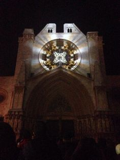 Fotografia de Cesc Oliva. #Tarragona #Catedral #HappyNewYear #CapdAny2015 #CapdAnyTGN #mapping #SPAM #SalaelCau