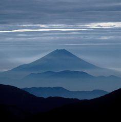 「富士山」って、ひとつしかなかったよな… 驚くほど変化する表情、その荘厳な美しさに心が震える