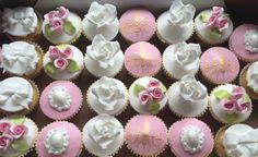 Muffinki   Najlepsze muffinki w Warszawie! Babeczki z logo! Mini Cupcakes, Desserts, Tailgate Desserts, Deserts, Postres, Dessert, Plated Desserts