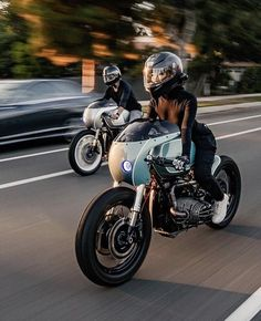 BMW Café Racer Which one do you prefer? California coast cruising into the sunset Bmw Cafe Racer, Cafe Racer Motorcycle, Cafe Racers, Girl Motorcycle, Triumph Motorcycles, Cool Motorcycles, Lady Biker, Biker Girl, K100 Bmw